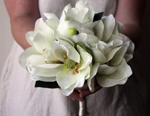 Top 10 wedding flowers that bloom in fall magnolia wedding bouquet mightylinksfo